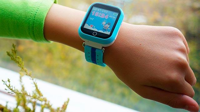 Гаджет GPS-трекер для детей Фото