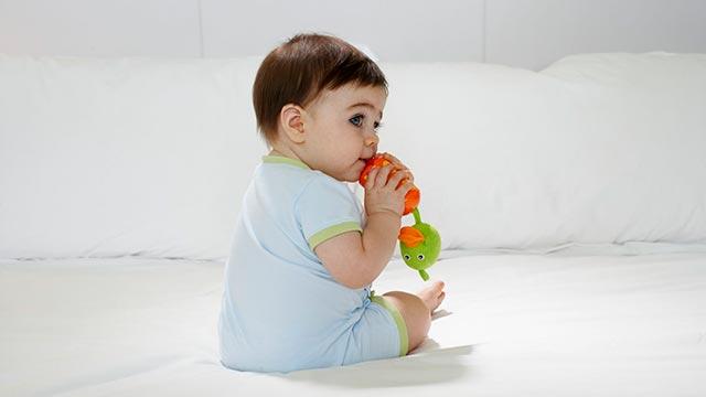 Способы сидения ребенка Фото